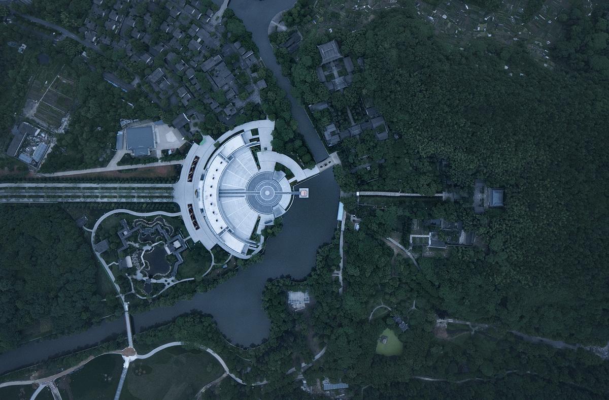 图片6-改造后的神道与祭禹广场、山中享殿、山顶禹像在一条轴线之上_调整大小.jpg