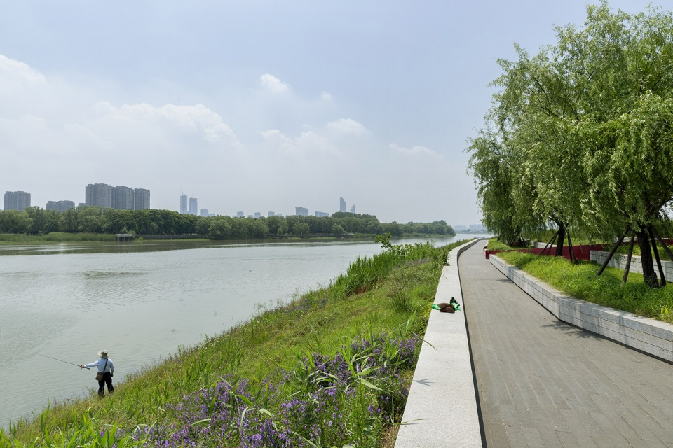 003-riverside-commercial-eco-park-china-by-collective-landscape-design-960x640.jpg