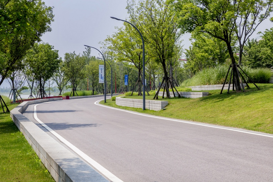 008-riverside-commercial-eco-park-china-by-collective-landscape-design-960x640.jpg