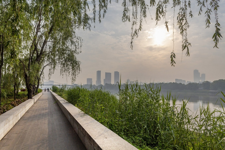 015-riverside-commercial-eco-park-china-by-collective-landscape-design-960x640.jpg